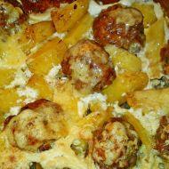 Masové kuličky s bramborami zapékanými se smetanou a sýrem ...