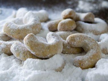 Vanilkové rohlíčky s vlašskými ořechy