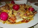 Míchaná vejce se sušenými rajčátky a ředkvičkami recept ...