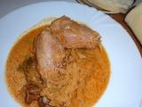 Segedínský guláš z uzených kuřecích stehen recept