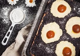Velikonoční kynutý koláč a la volské oko recept