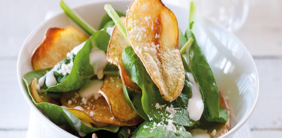 Špenát s bramborovými lupínky
