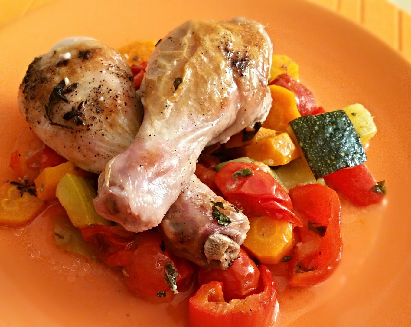 Kuřecí paličky v bylinkové marinované zelenině recept  TopRecepty ...