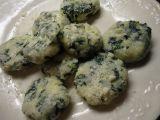 Špenátovo-tvarohové noky se sýrem recept