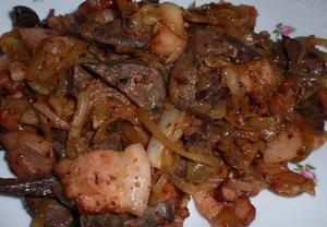 (nejen) Vepřová játra na cibuli a slanině