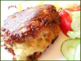 Bílá klobása v bramborovo-sýrovém těstíčku recept