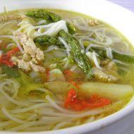 Chřestová polévka s rýžovými nudlemi recept