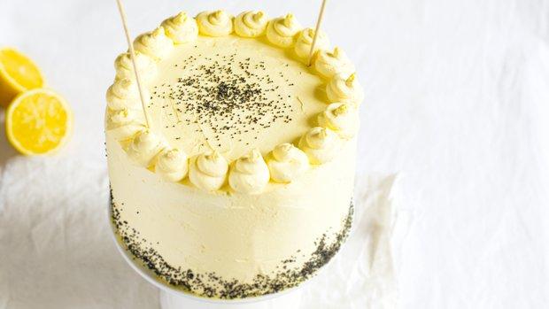 Makový dort s citronovým krémem