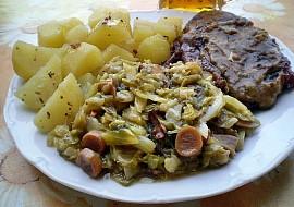 Kadlíkovo zelí s houbami, ranýma brambůrky a krkovičkou recept ...