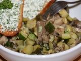 Teplý salát z hlívy s cuketou recept