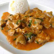 Pikantní kuřecí drůbky na červeném kari recept