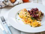 Venkovská omeleta se sýrem Brie a bramborami recept ...