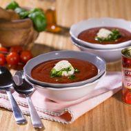 Studená rajčatová polévka s parmazánovou zmrzlinou recept ...