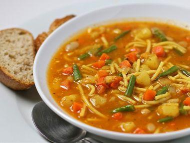 Rajčatová polévka s brambory od babičky