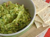Guacamole a čedarové trojúhelníčky recept