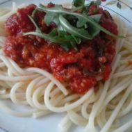 Špagety s tuňákem, rajčaty a rukolou recept
