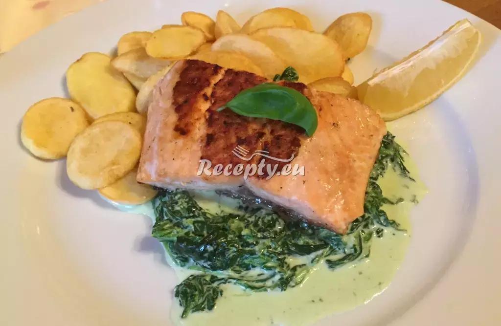 Letní losos se špenátem recept  ryby