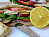 Libanonský chléb s koprovým dresingem recept