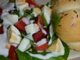 Pampeliškový salát s rajčaty a vejci recept