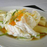 Chřest s pošírovaným vejcem recept
