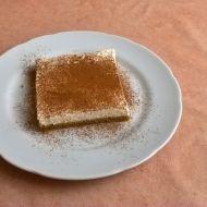 Mrkvový moučník s tvarohovým krémem recept