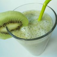 Smoothie z kiwi a banánu recept