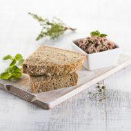 Z jádra dobrý trojský chléb s domácí bylinkovou paštikou recept ...