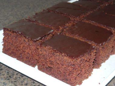 Nadychany pernik s povidly a cokoladou