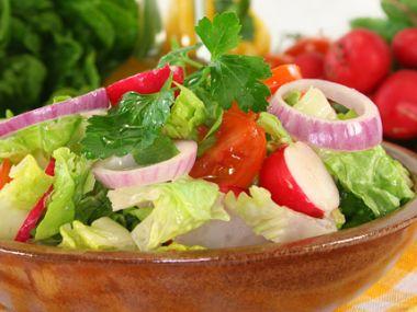 Ředkvičkový salát s koprem a smetanou