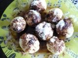Třešňové kuličky z tvarohového těsta recept