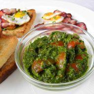 Toast s česnekovým pestem a rajčaty recept