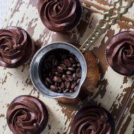 Espresso cupcakes s čokoládovým krémem recept