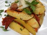 Pečené brambory s česnekem a sušenými rajčaty recept ...