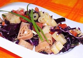 Těstovinový salát s červeným zelím recept