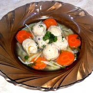 Polévka s drožďovými knedlíčky od babičky recept