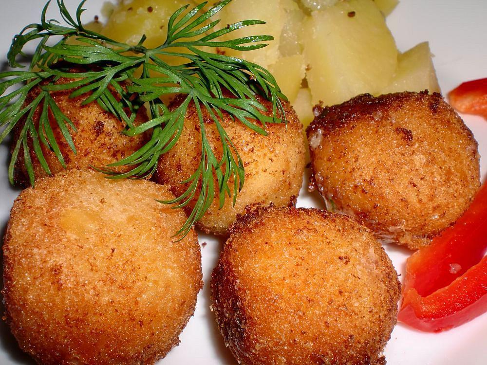 Sýrové kuličky s česnekem a bylinkami recept