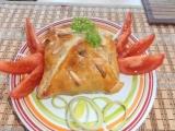 Plněný hermelín brusinkami, zapečený v listovém těstě. recept ...