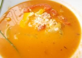 Selská polévka z paprik a rajčat, rýží a sýru recept