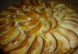Jablkový koláč se zakysanou smetanou
