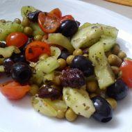 Zeleninový salát s medem a sušenými švestkami recept