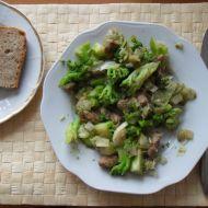 Vepřové nudličky s brokolicí a pórkem recept