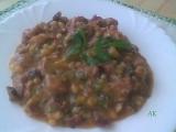 Fazole v tomatě na zázvoru s vepřovým masem a uzeným recept ...