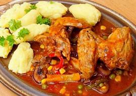 Pikantní kuřecí křidélka se zeleninou recept