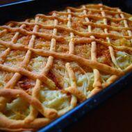 Křehký jablečný koláč s mřížkou recept