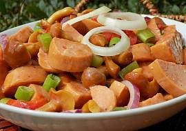 Špekáčkový salát s nakládanými houbami recept