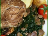 Krkovice ve špenátovo-žampionovém lůžku recept