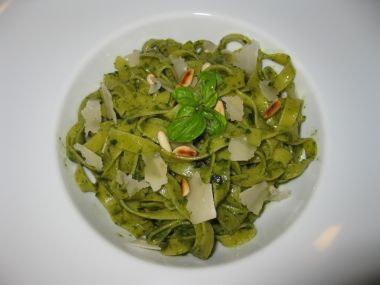Recept Zelené nudle s houbami a šunkou