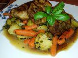 Vepřové medailonky s glazovanou zeleninou recept