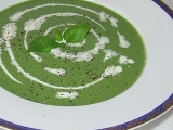 Špenátová polévka s řapíkatým celerem a ricottou recept ...