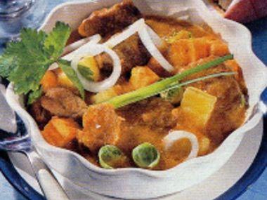 Vepřový guláš s bramborami
